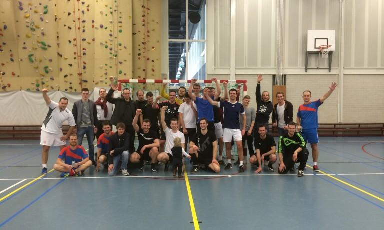 Zaalvoetbaltoernooi voor Stichting WEM – Nederland